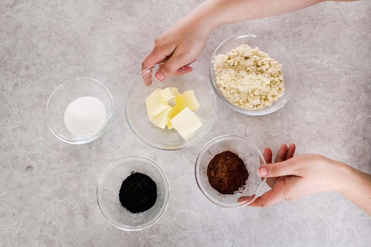 Ingredients for gluten free chocolate pie crust
