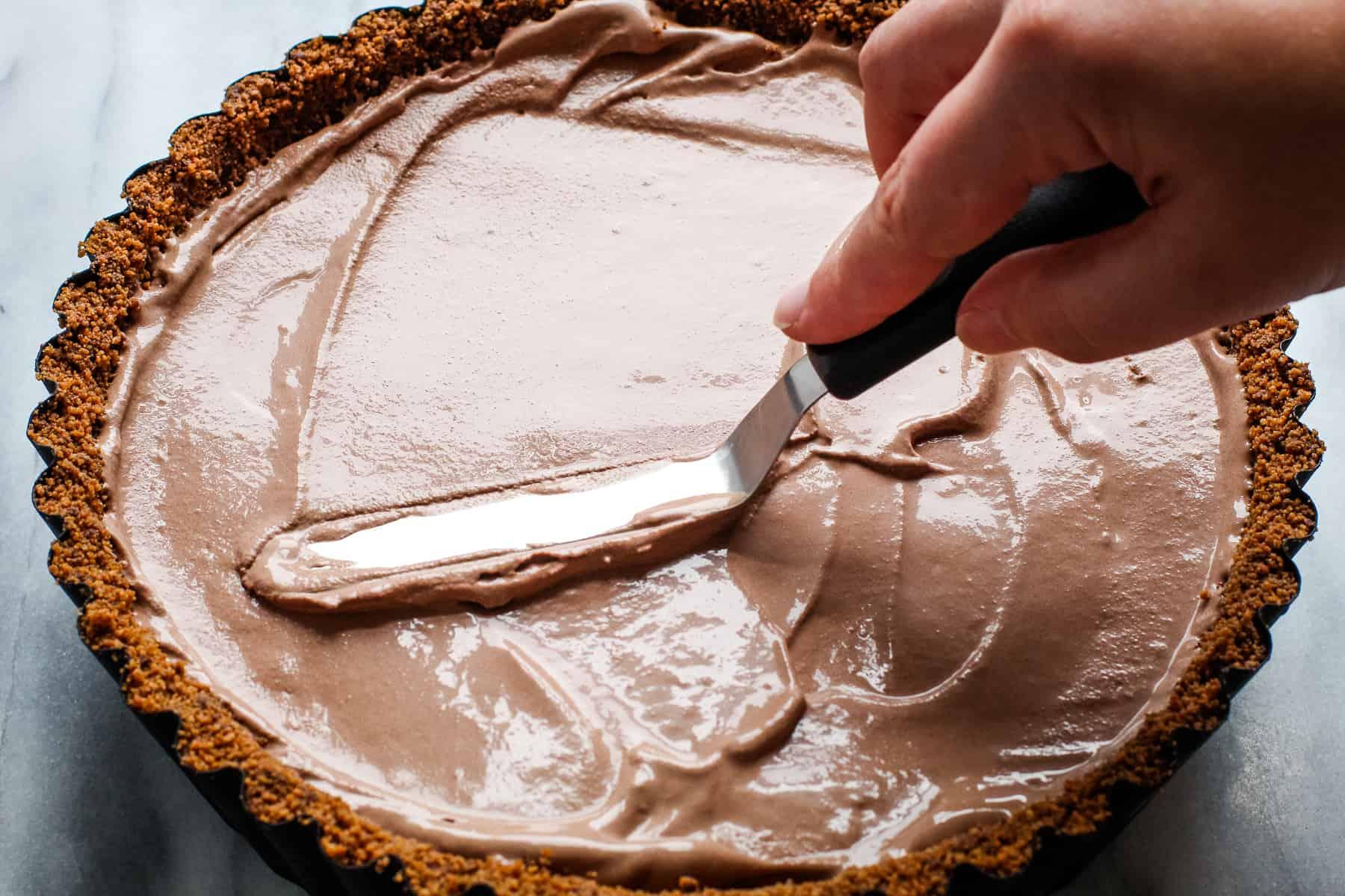 Smoothing over ice cream on Baked Alaska recipe