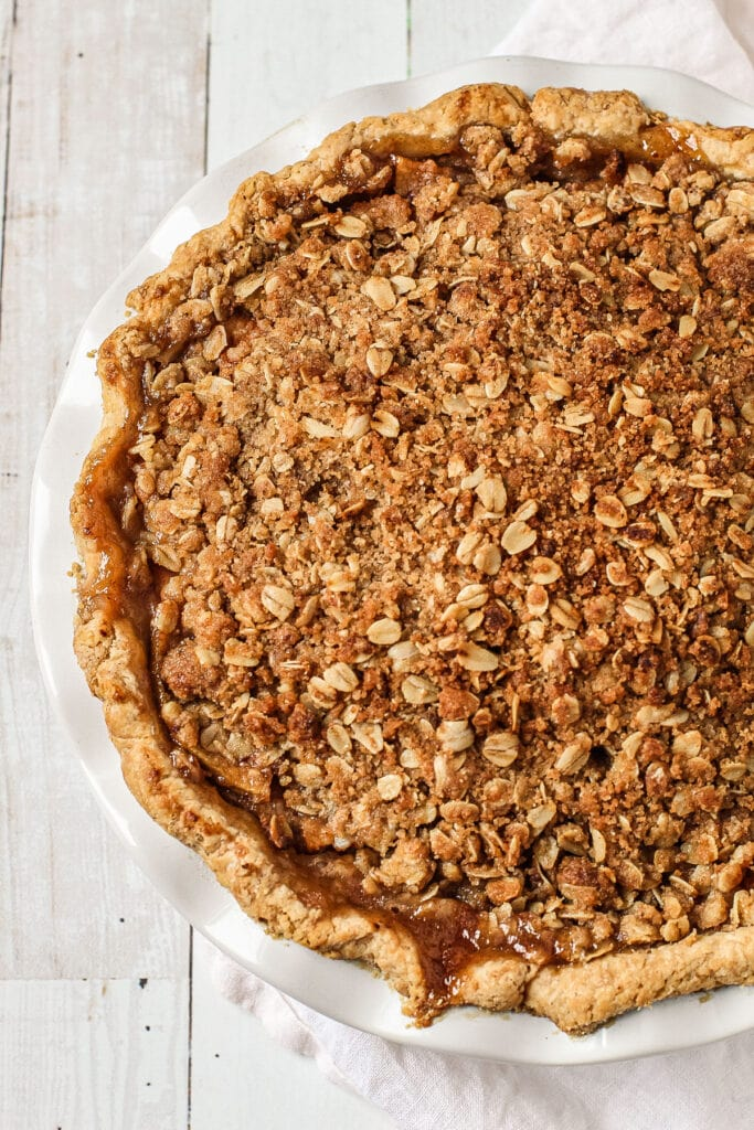 A baked apple crumb pie.