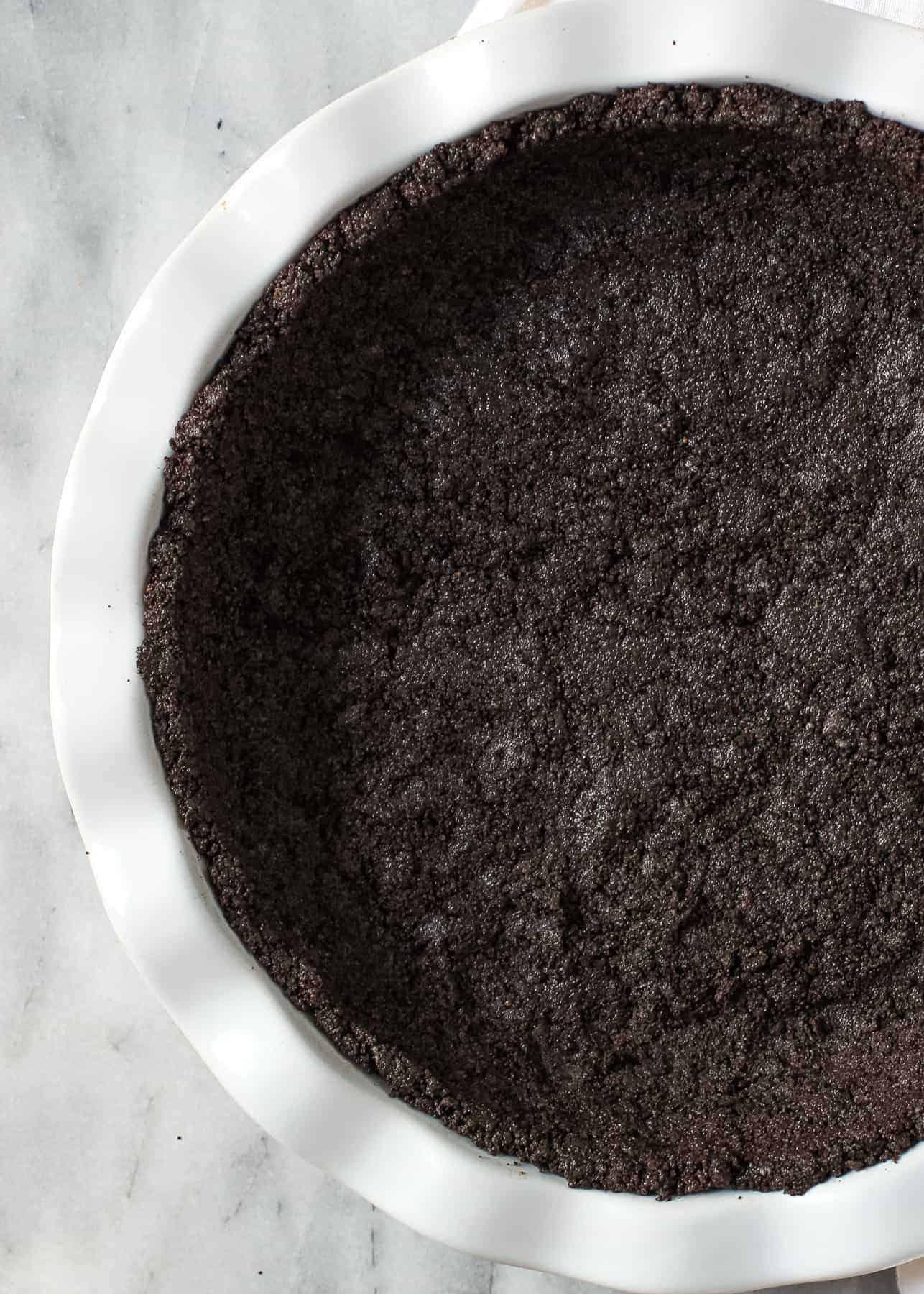 Oreo crust recipe in a pie plate