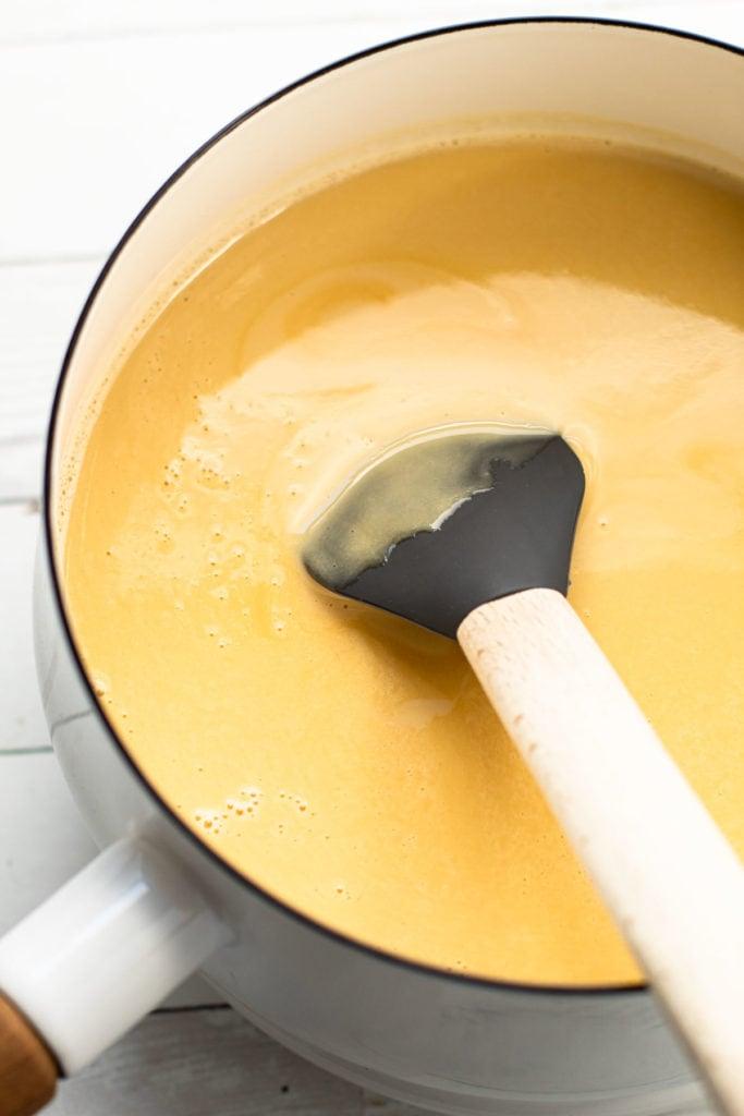 Precooked maple buttermilk custard filling.