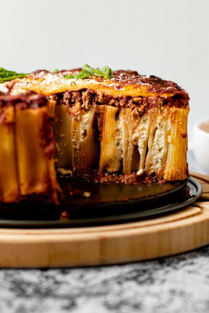 A slice of stuffed rigatoni pie.