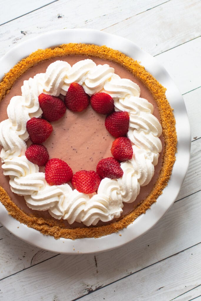 A strawberry cream pie.