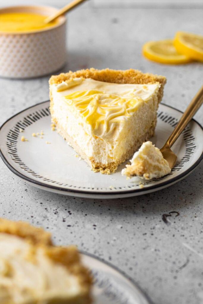 A creamy lemon pie.