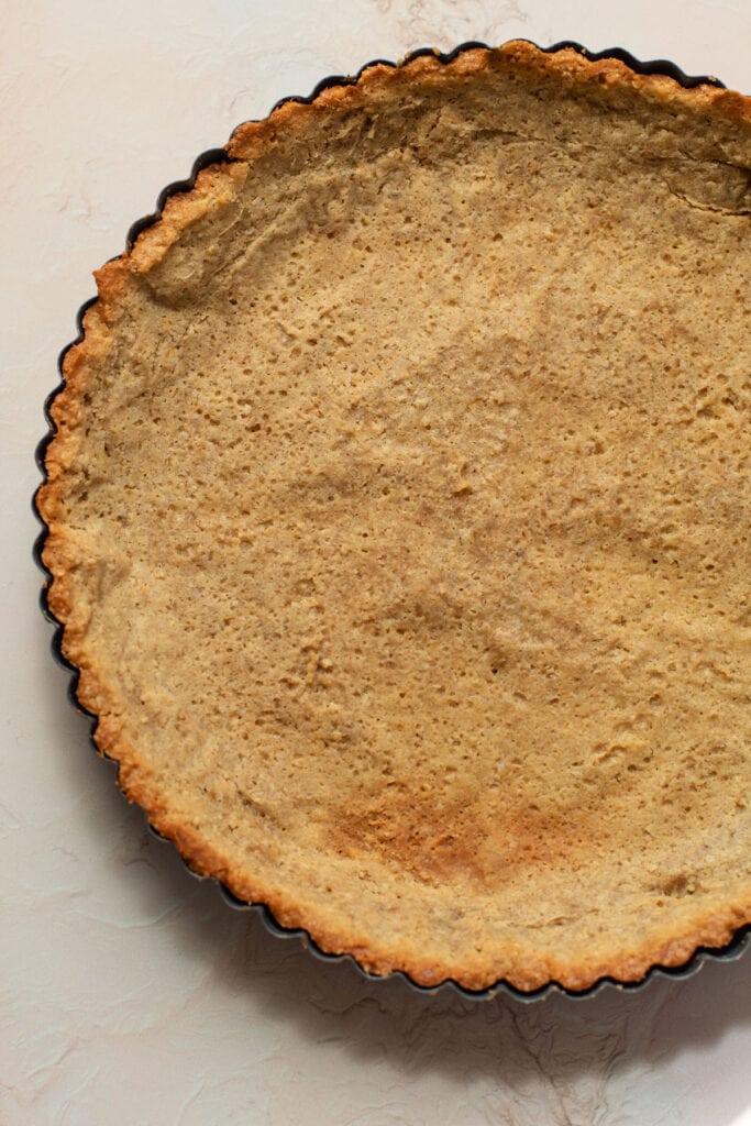 A fully baked oat shorbread crust.